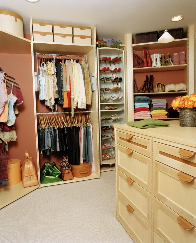 Bedroom: Astonishing Modern Minimalist Closet Ideas For Small